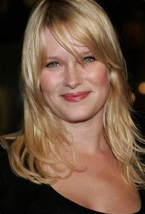 Nicholle Tom Bra Size, Age, Weight, Height, Measurements
