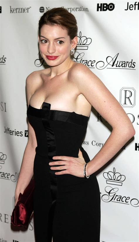 Anne Hathaway - Famous Nipple