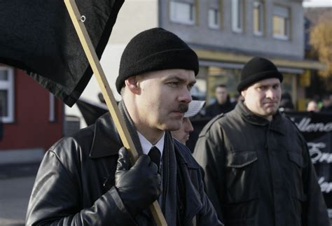 Germany's Neo-Nazi Gang: Ties to Far-Right Party Probed