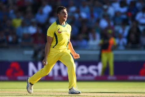 KXIP trade Stoinis for Mandeep with RCB | Cricbuzz